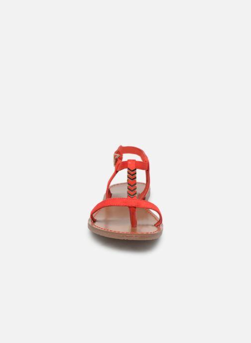 Sandales et nu-pieds Les P'tites Bombes PETUNIA Rouge vue portées chaussures