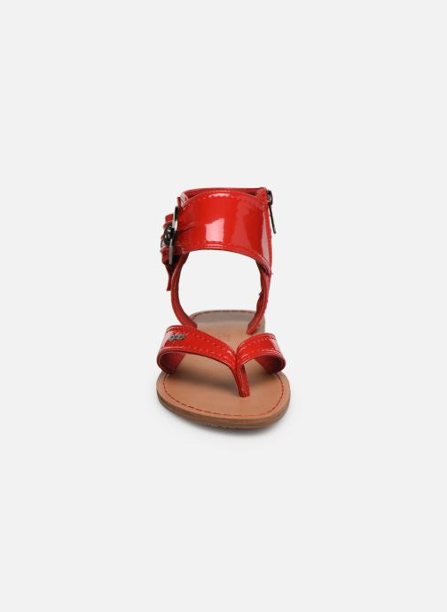 Sandalen Les P'tites Bombes Thalie rot schuhe getragen