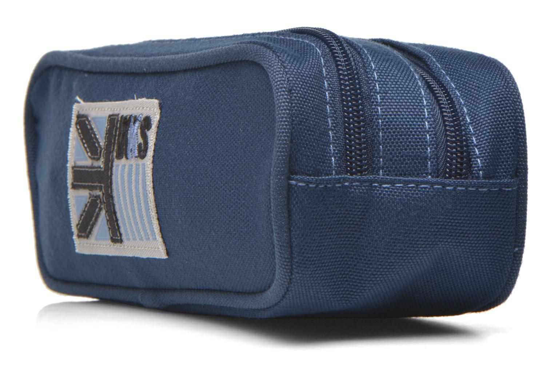 Scolaire IKKS Trousse double UK Bleu vue portées chaussures