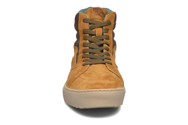 Baskets Vans Sk8-Hi MTE CUP Marron vue portées chaussures