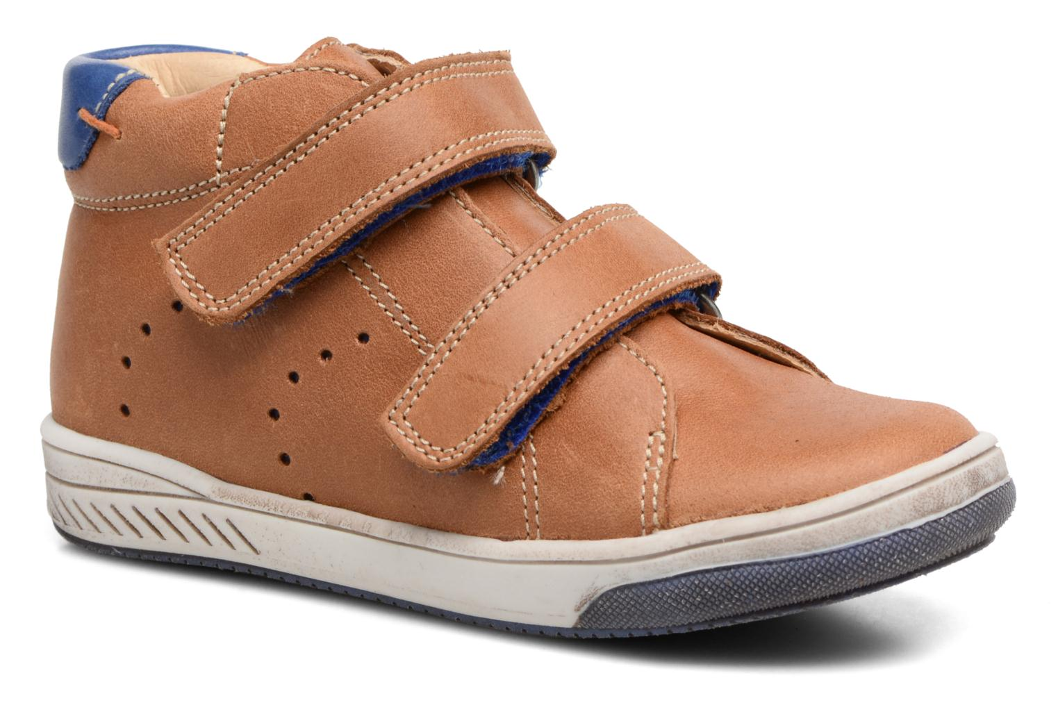 Velcro shoes Babybotte Antilles Brown detailed view/ Pair view
