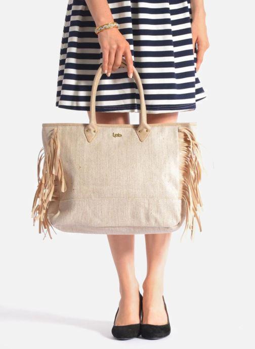 Handtaschen Les P'tites Bombes Sac à frange beige ansicht von unten / tasche getragen
