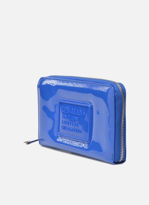 Petite Maroquinerie Les P'tites Bombes Compagnon Verni Bleu vue portées chaussures