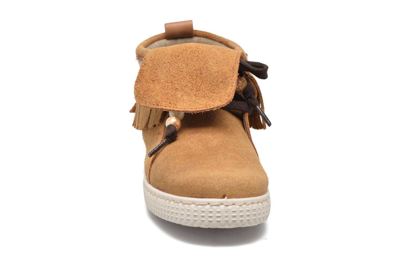 Baskets Victoria Botin Flecos Serraje Marron vue portées chaussures