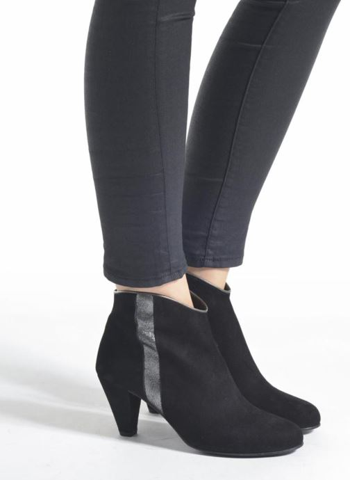 Ankle boots Georgia Rose Lolok Black view from underneath / model view