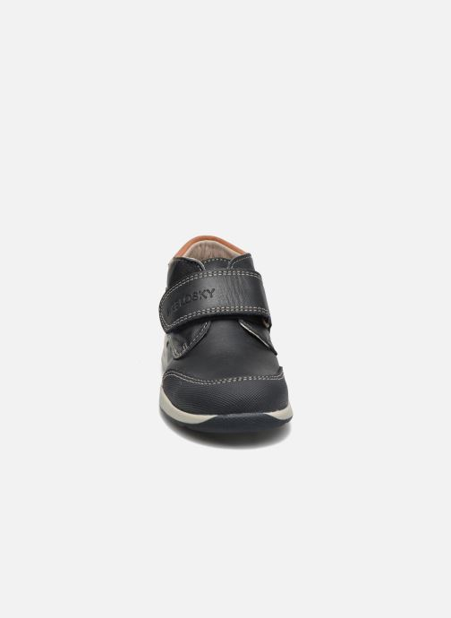 Zapatos con velcro Pablosky Antonio Azul vista del modelo