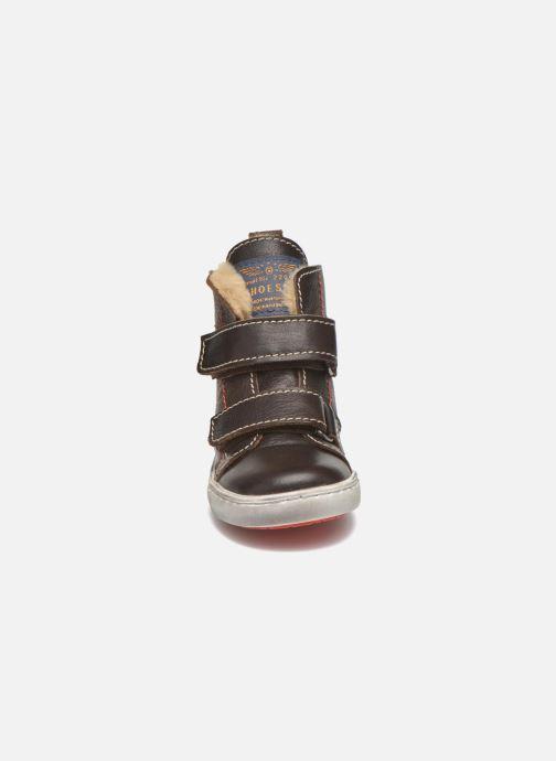 Zapatos con velcro Shoesme Sofian Marrón vista del modelo