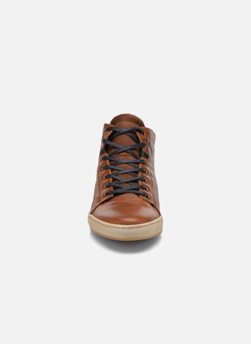 Sneakers Bullboxer Charles Brun bild av skorna på