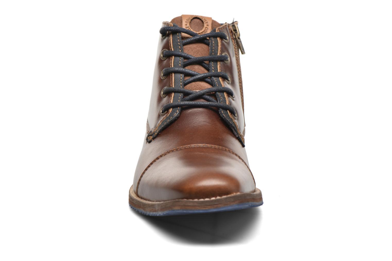 Bottines et boots Bullboxer William Marron vue portées chaussures