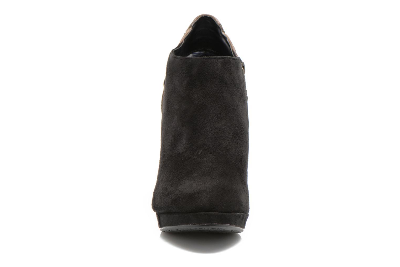 Bottines et boots Refresh Anselma-61205 Noir vue portées chaussures