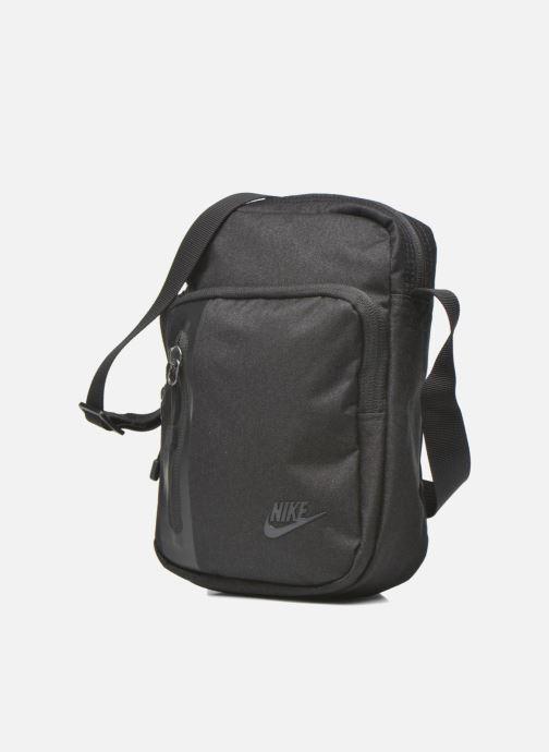 Bolsos de hombre Nike Nike Tech Small Items Bag Negro vista del modelo