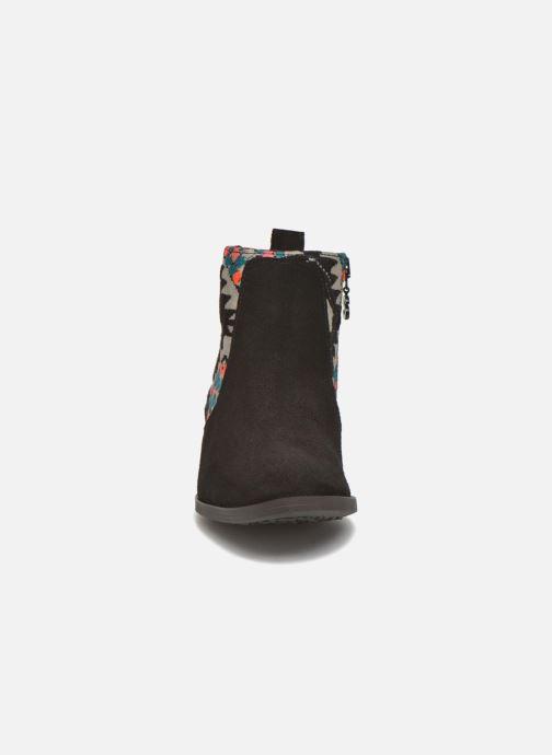 Bottines et boots Desigual Indian boho Noir vue portées chaussures