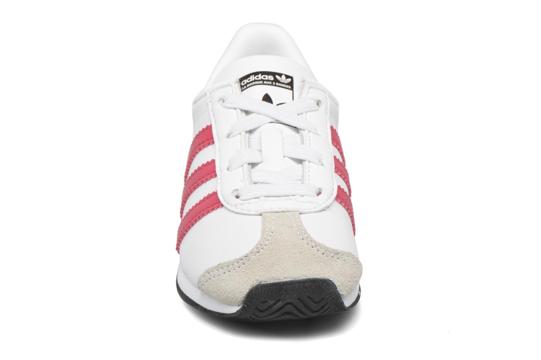 Baskets Adidas Originals Country Og El I Blanc vue portées chaussures