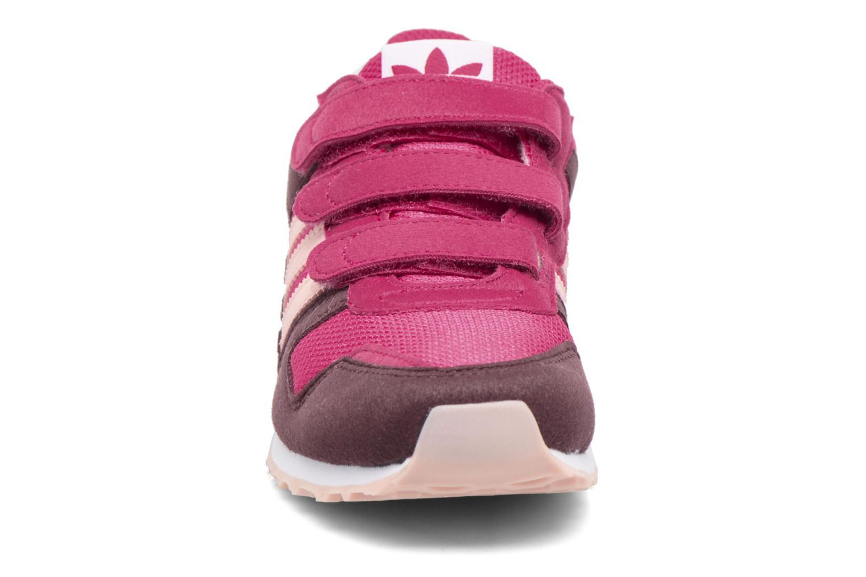 Sneakers Adidas Originals Zx 700 Cf C Rosa modello indossato