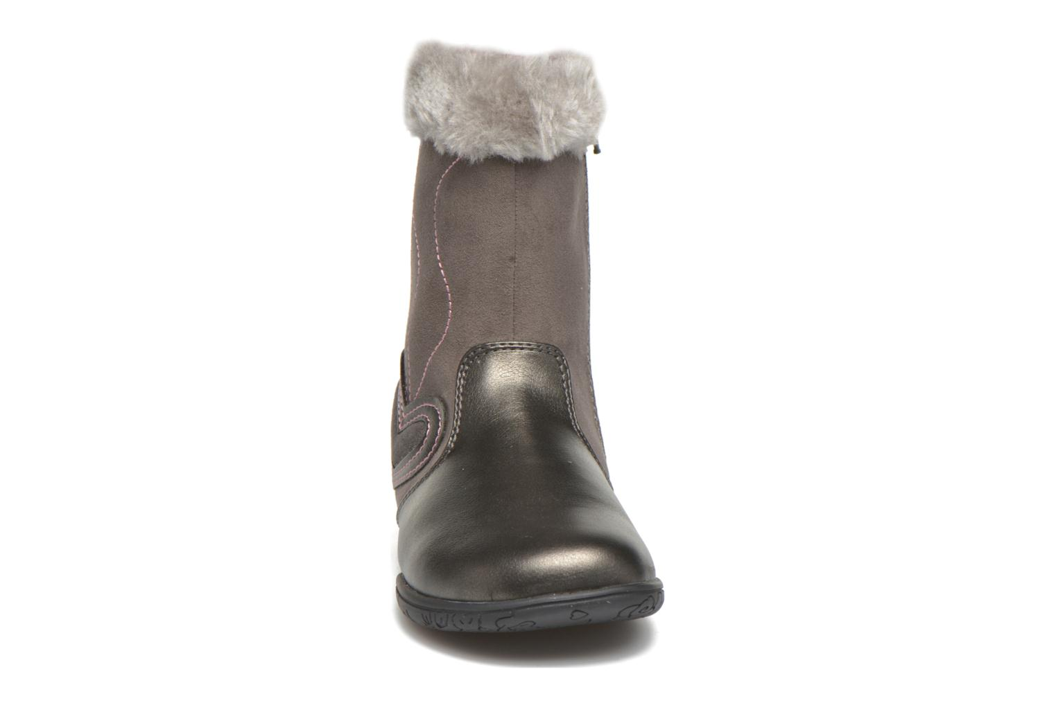 Bottes Chicco Cilly Gris vue portées chaussures