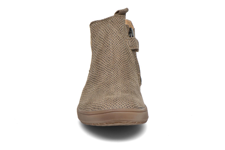 Bottines et boots Achile Sara Marron vue portées chaussures
