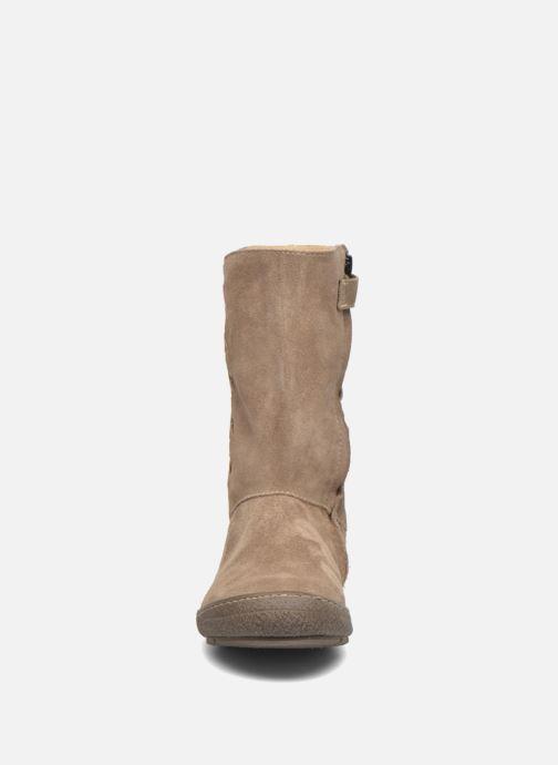 Bottes Achile Sofia Beige vue portées chaussures