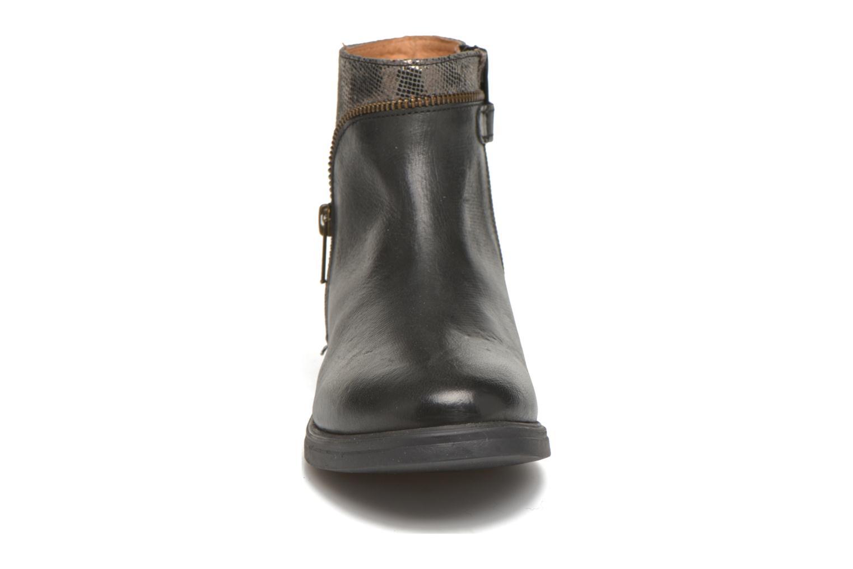 Bottines et boots Achile Valeria Noir vue portées chaussures