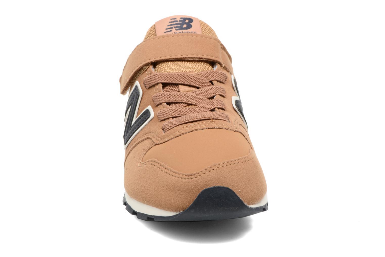 Baskets New Balance KV996 J Marron vue portées chaussures