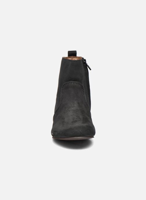 Boots Bisgaard Marianne Svart bild av skorna på