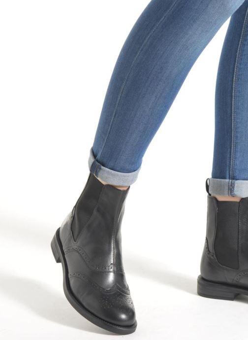 Bottines et boots Vagabond Shoemakers AMINA 4203-001 Marron vue bas / vue portée sac