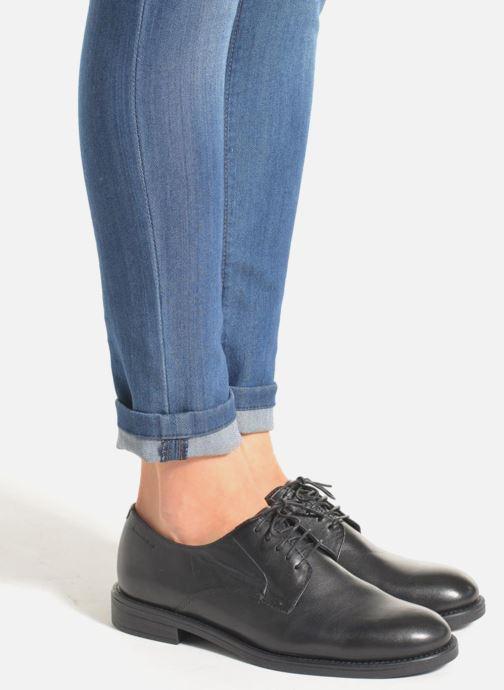 Schnürschuhe Vagabond Shoemakers AMINA 4203-201 schwarz ansicht von unten / tasche getragen