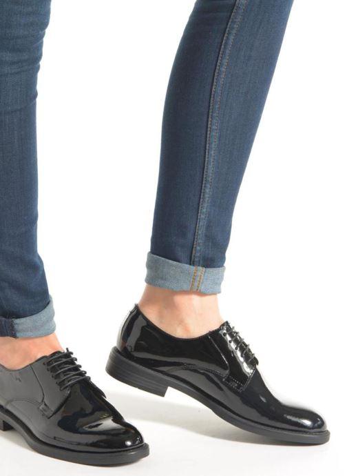 Schnürschuhe Vagabond Shoemakers AMINA 4203-260 schwarz ansicht von unten / tasche getragen