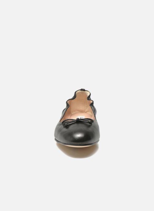 Ballerines L.K. Bennett Thea Noir vue portées chaussures