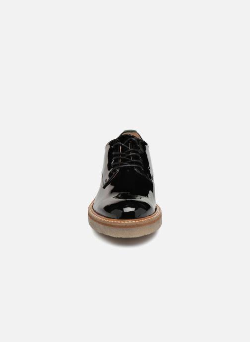 Scarpe con lacci Kickers Oxfork Nero modello indossato