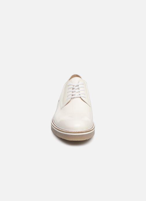 Snøresko Kickers Oxfork Hvid se skoene på
