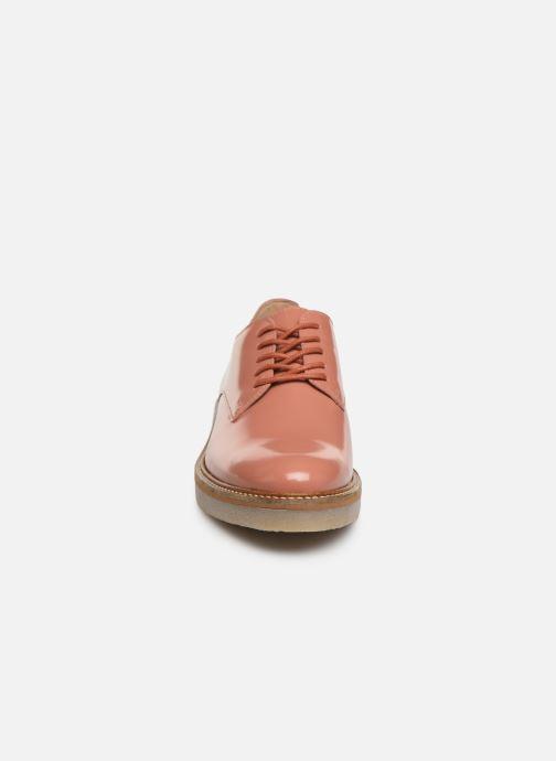 Chaussures à lacets Kickers Oxfork Rose vue portées chaussures