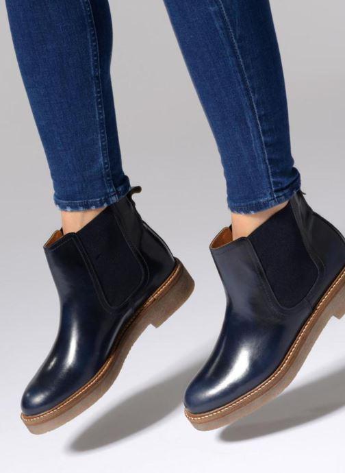 Stiefeletten & Boots Kickers Oxfordchic weinrot ansicht von unten / tasche getragen