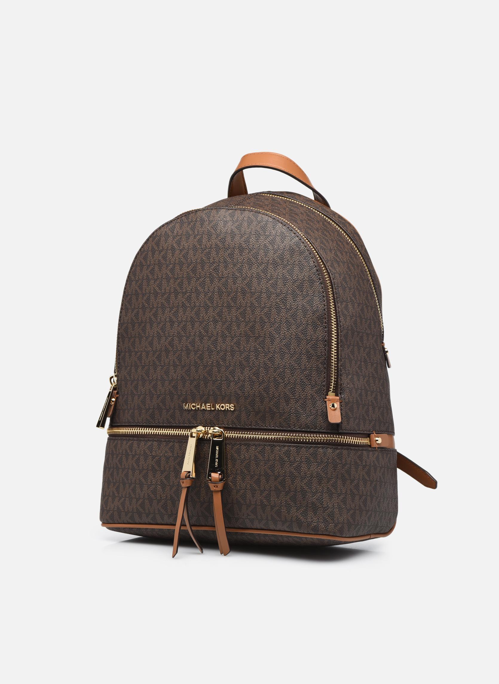 Mochilas Michael Michael Kors RHEA ZIP MD Backpack Marrón vista del modelo