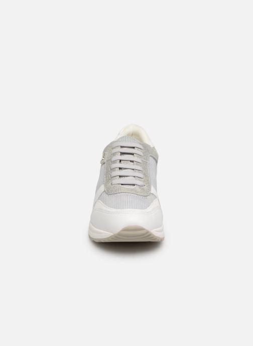 Baskets Geox D AIRELL C D642SC Argent vue portées chaussures