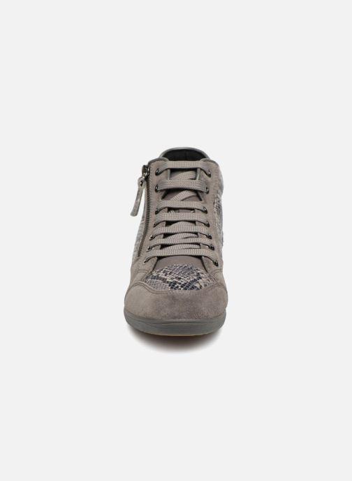 Sneakers Geox D MYRIA C D6468C Grigio modello indossato