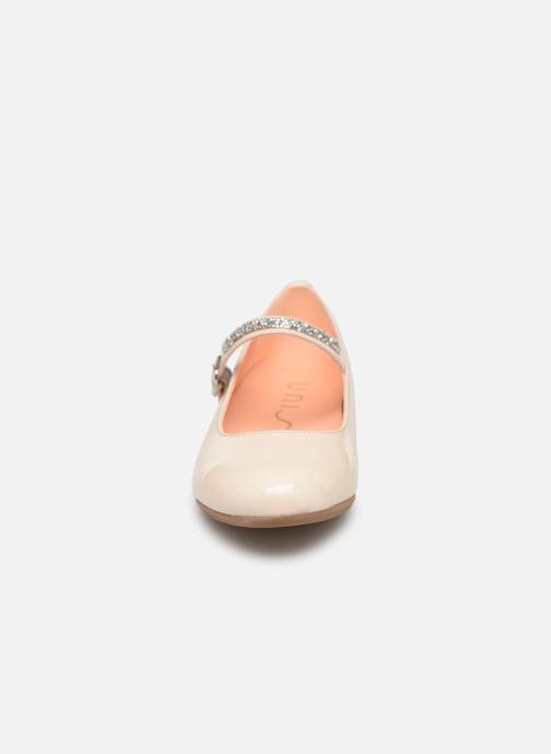 Ballerines Unisa Clervy Beige vue portées chaussures