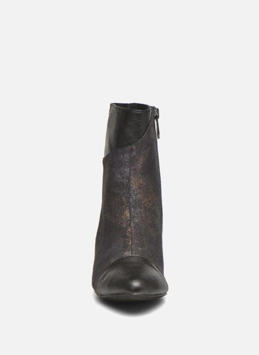 Bottines et boots Les P'tites Bombes Adele 2 Noir vue portées chaussures