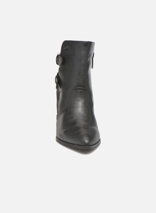 Ankle boots Les P'tites Bombes Idao Black model view
