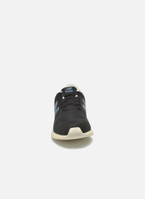 Baskets New Balance MRL420 Noir vue portées chaussures