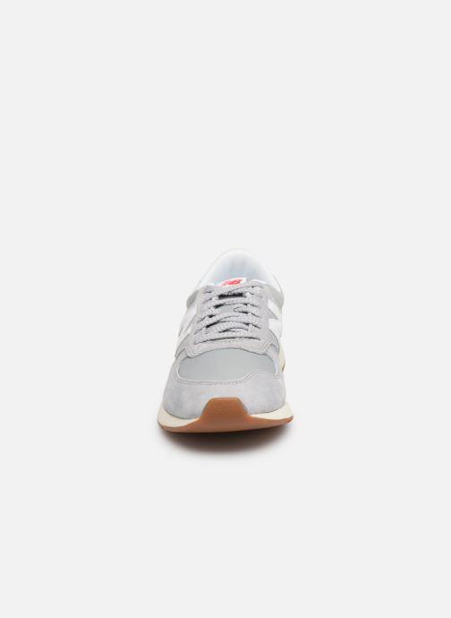 Sneaker New Balance MRL420 grau schuhe getragen