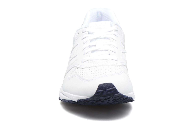 Baskets New Balance WRT96 Blanc vue portées chaussures