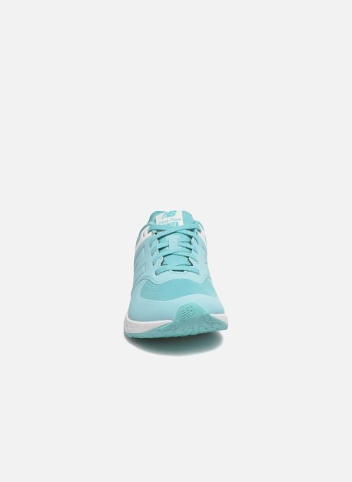 Baskets New Balance WFL574 Vert vue portées chaussures