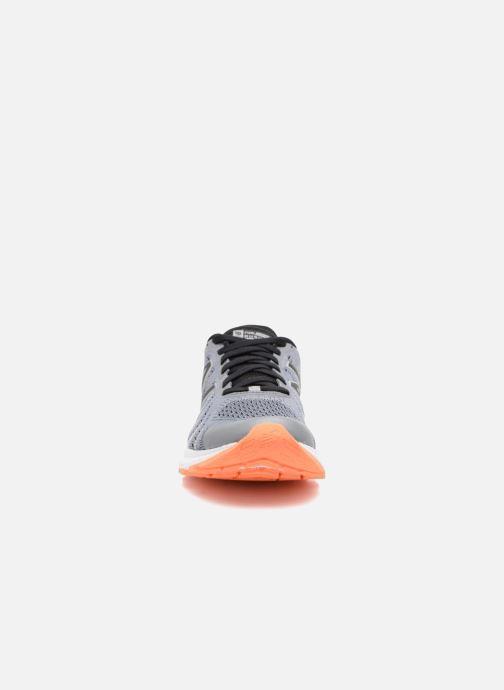 Zapatillas de deporte New Balance WRUSH Gris vista del modelo