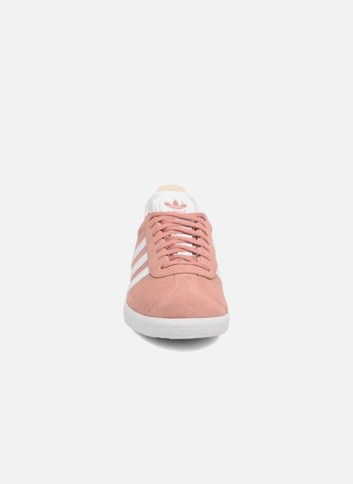 Trainers adidas originals Gazelle W Pink model view