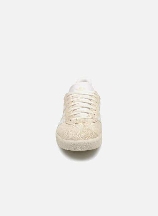 Sneaker adidas originals Gazelle W beige schuhe getragen