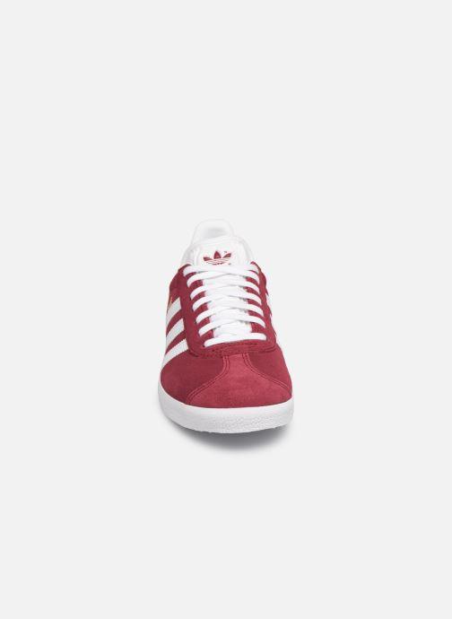 Baskets adidas originals Gazelle W Bordeaux vue portées chaussures