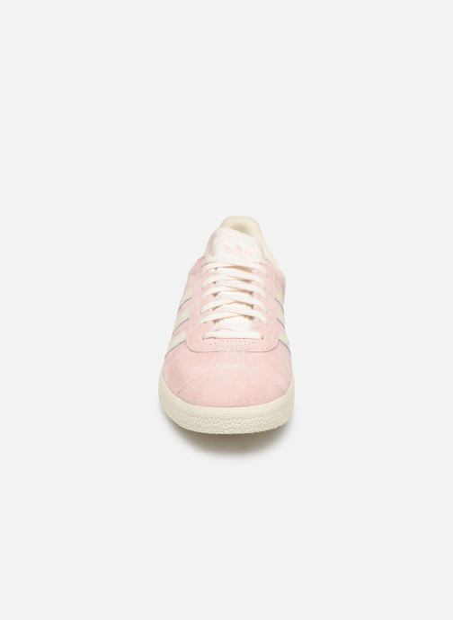 Trainers adidas originals Gazelle W Pink model view