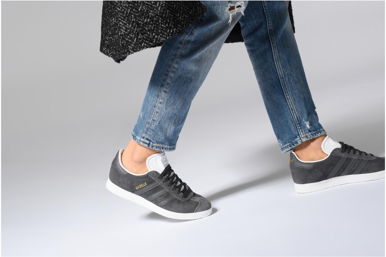 Sneakers Adidas Originals Gazelle W Beige immagine dal basso