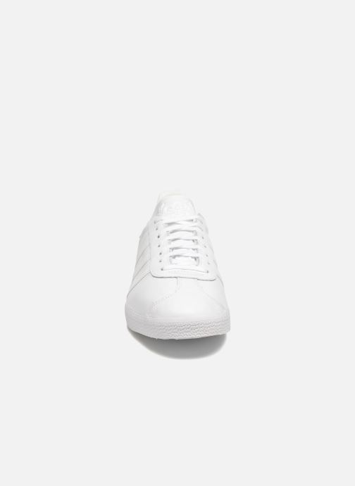 adidas originals Gazelle (Blanc) Baskets chez Sarenza (288640)