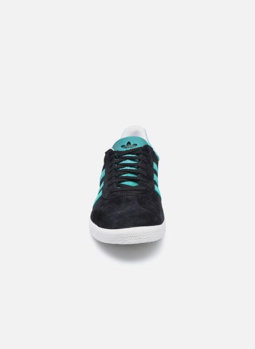Baskets adidas originals Gazelle Noir vue portées chaussures